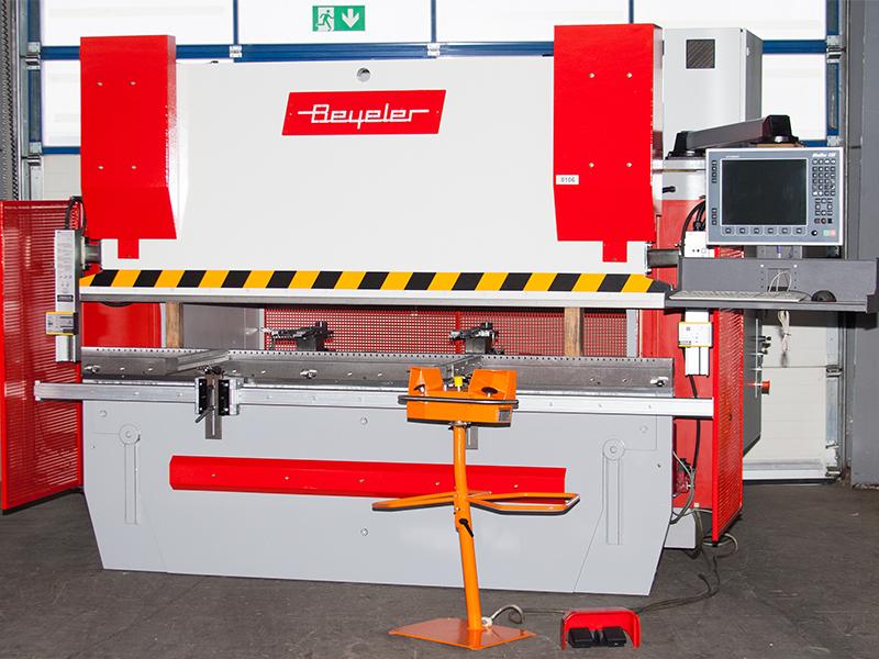 CNC Abkantpresse Bayerle